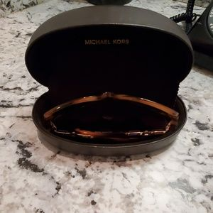 Michael Kors Shades brown Leopard Color w/case